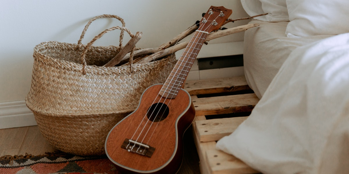 Ukulele vs Guitar: Main Differences and Which Is Easier to Play